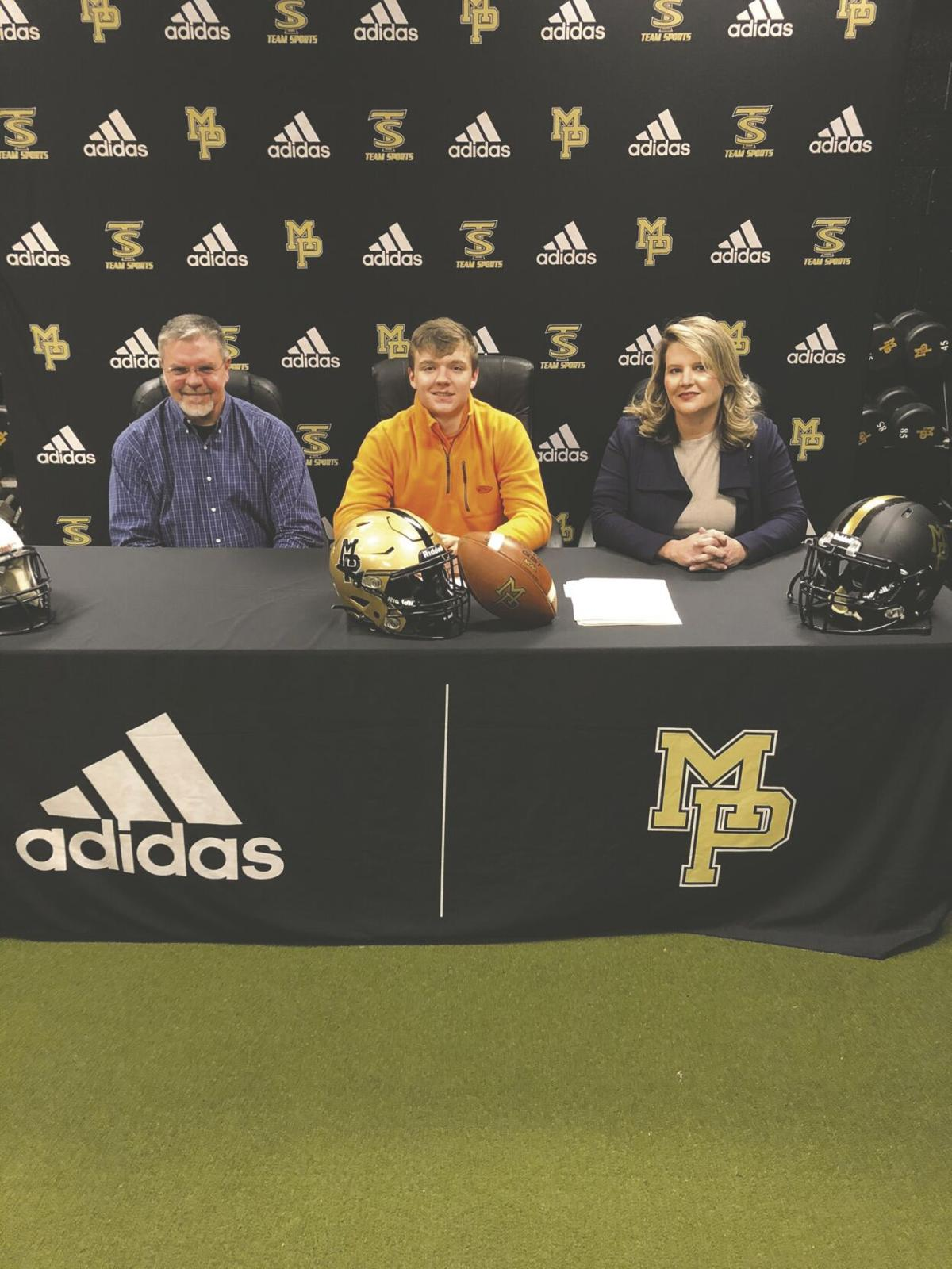 thomas warren signs carson newman.jpg