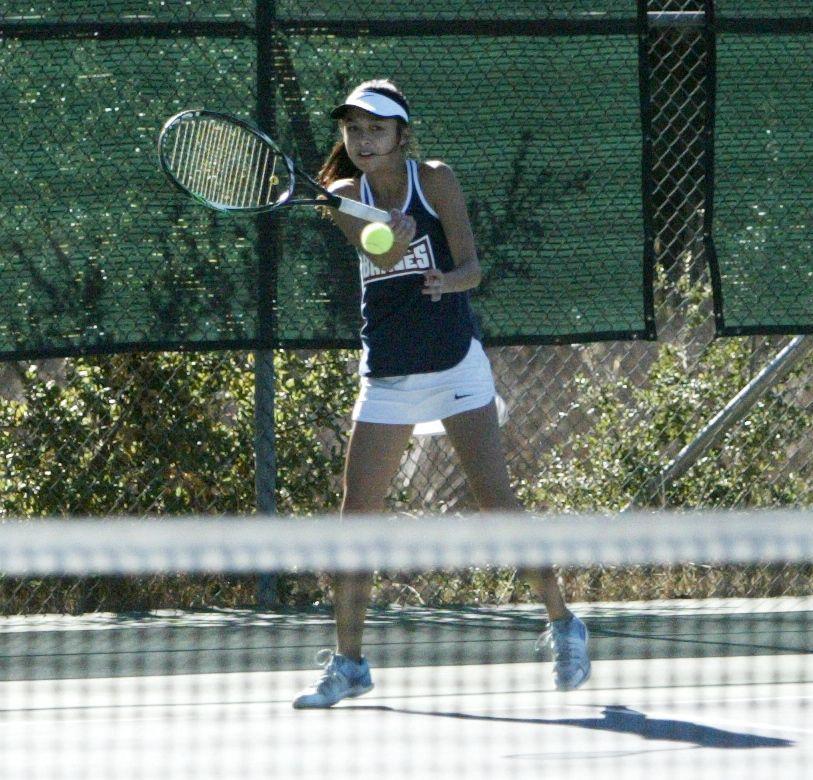 Justin-Siena tennis
