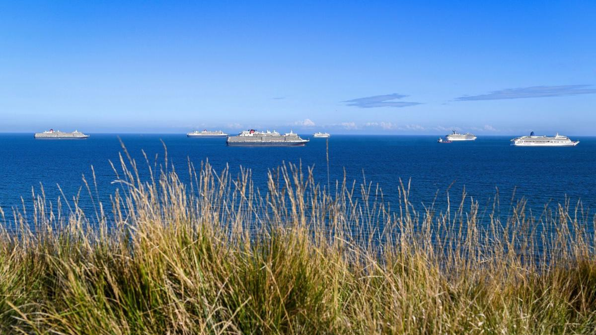 Ghost cruise ships