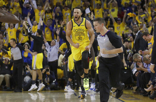 Warriors squander 31-point lead, Clippers tie series at 1-1