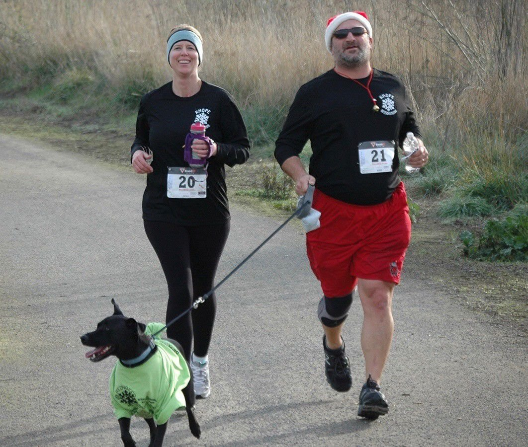 Reindeer Run Includes Costumed Canine Contest