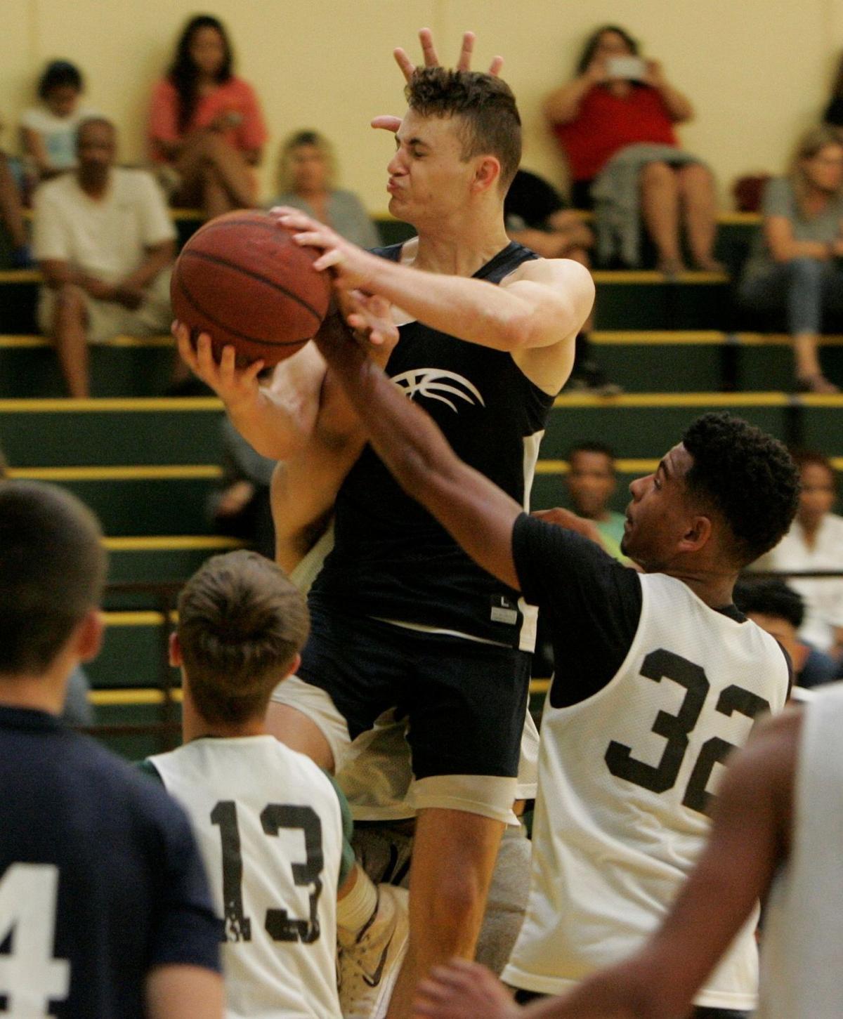 Justin-Siena boys basketball