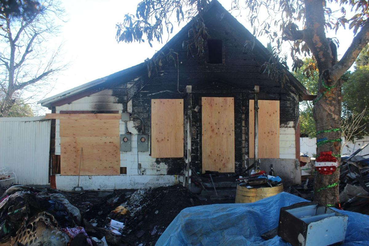 Fire destroys St. Helena home