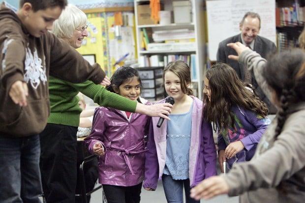 Arts Integration Program at Salvador gets visit from Alex Bernstein