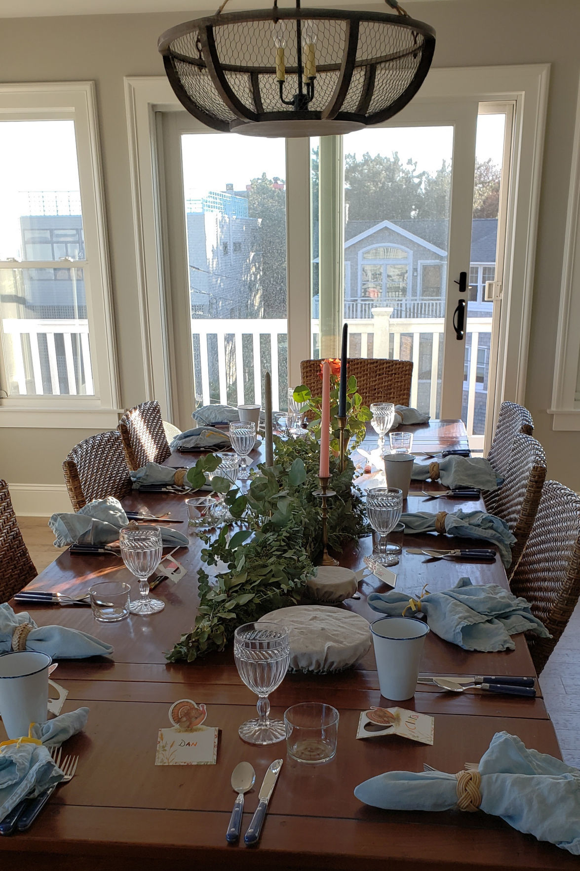 HOLIDAY-TABLE3