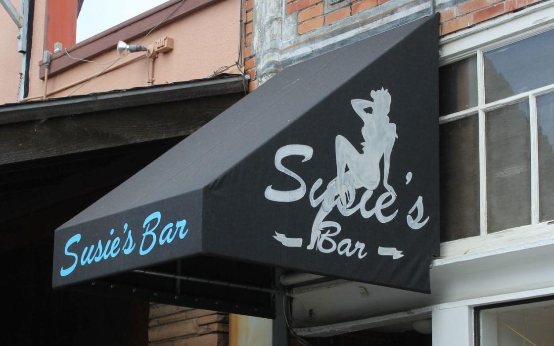 Susie's Bar (copy)