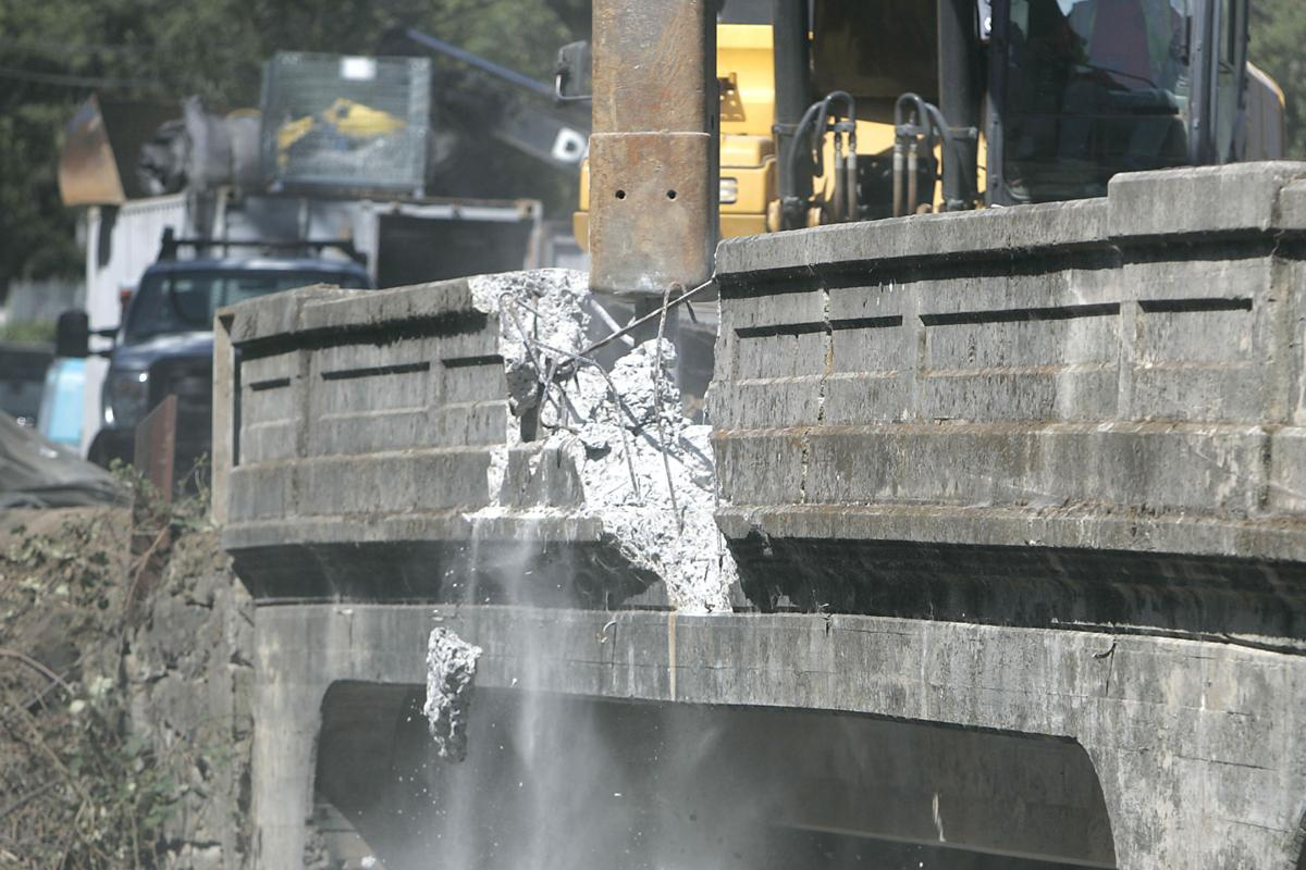 Oakville Cross Road Bridge Demolition