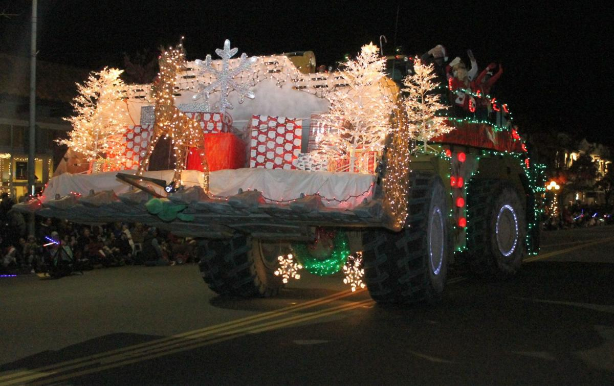 2016 Calistoga Lighted Tractor Parade