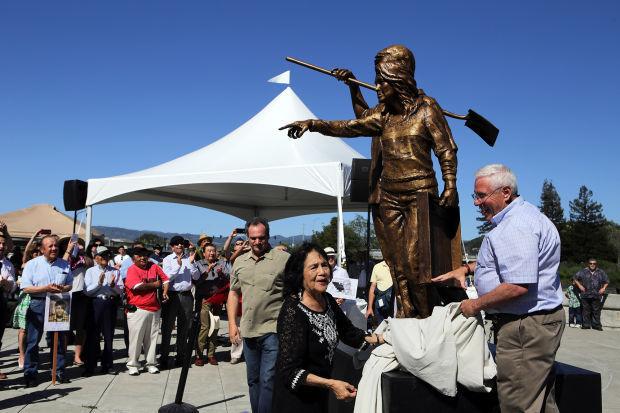 Cesar Chavez and Dolores Huerta statues