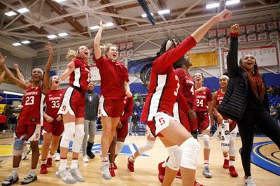 Stanford new No. 1 in women's Top 25 after top 2 teams lose