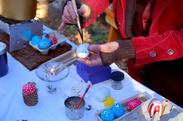 Celebrate the holidays pioneer style lifestyles for Holiday craft fair napa ca