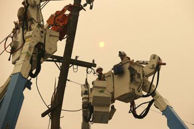 California utility scrambles to renegotiate wildfire deal