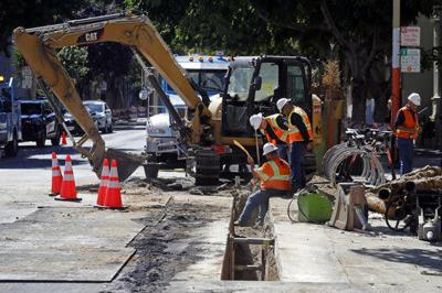 San Francisco offers $2.5B for PG&E's power grid in the city