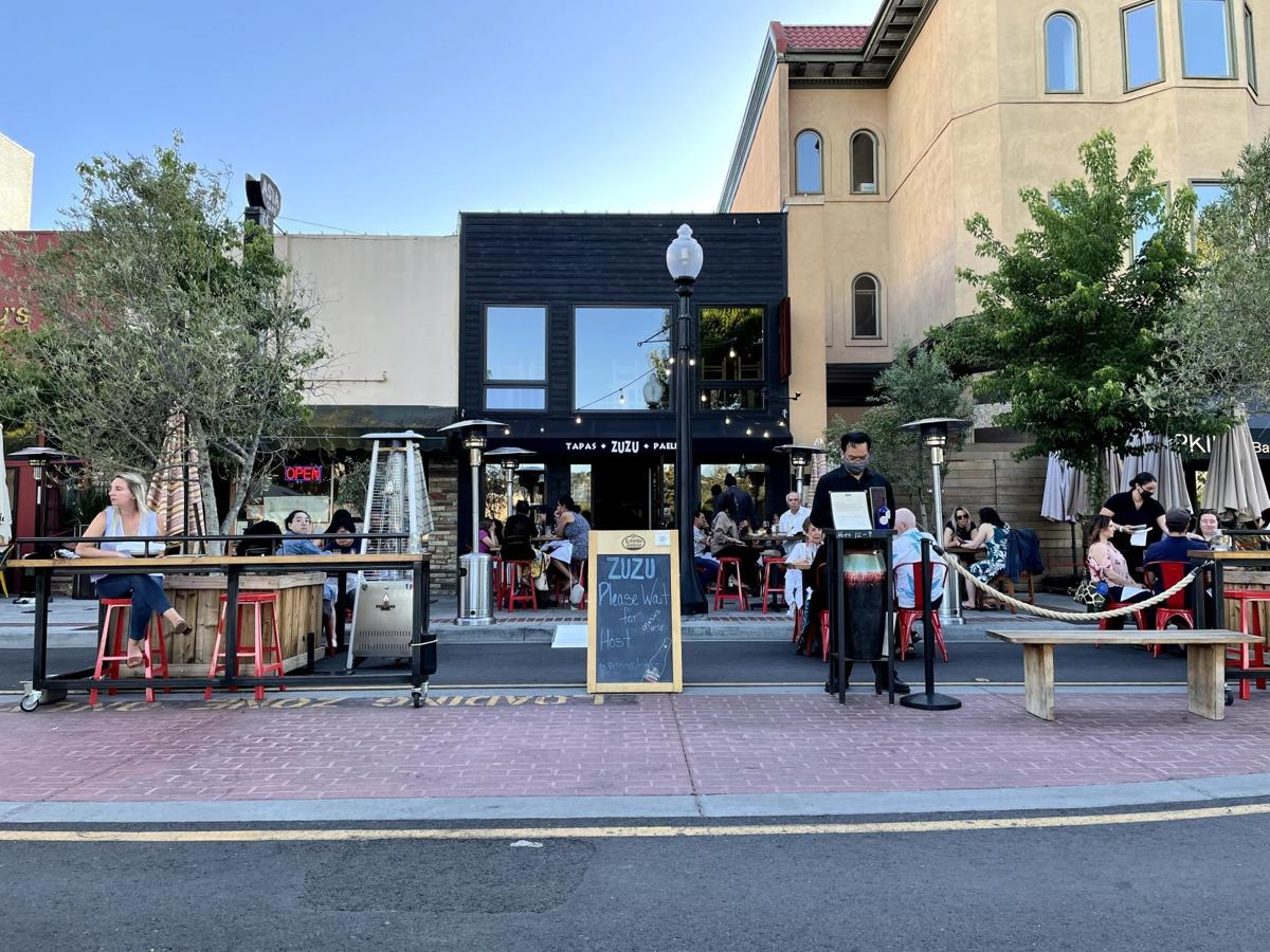 Outdoor dining on Main Street, downtown Napa
