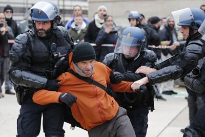 APTOPIX France Strikes