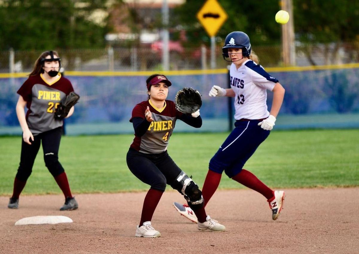 Justin Siena Softball Outlook Another Braves Youth Movement Under Way High School Napavalleyregister Com