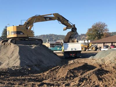 Roundabout, loader dumping (copy)