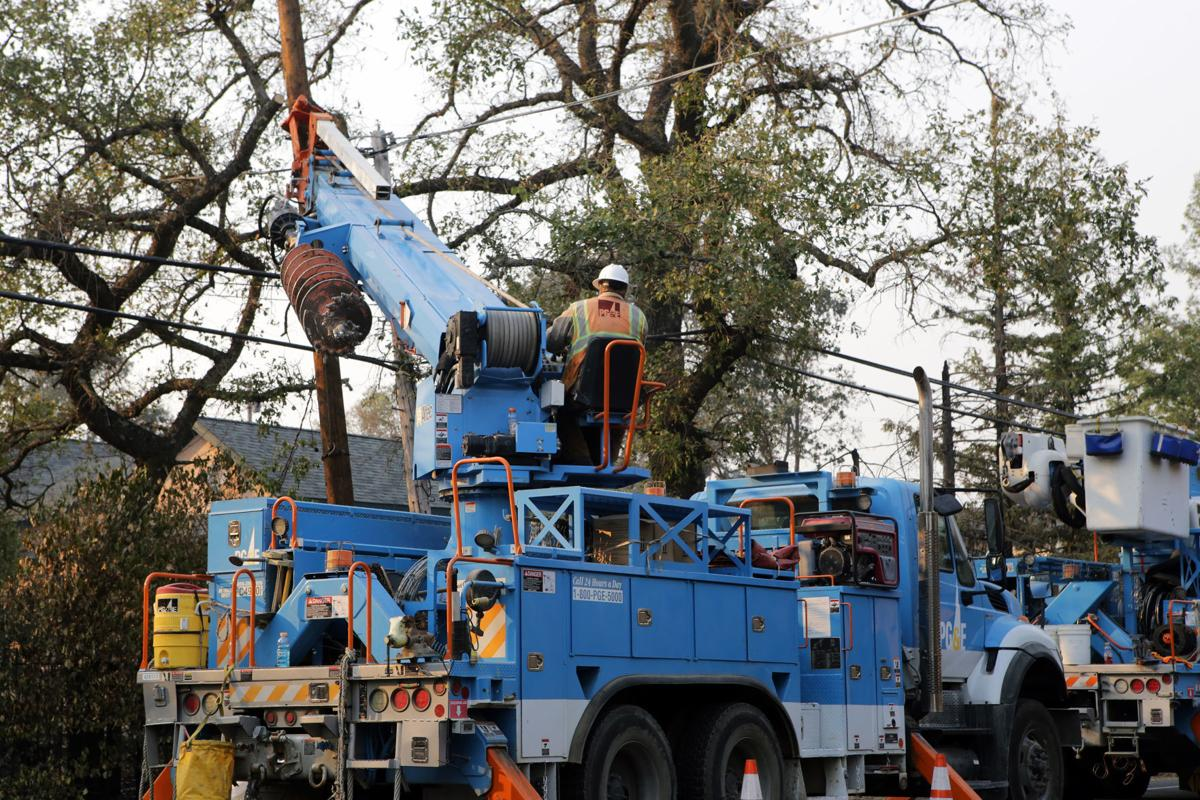 PG&E repairs power line damage after wildfires