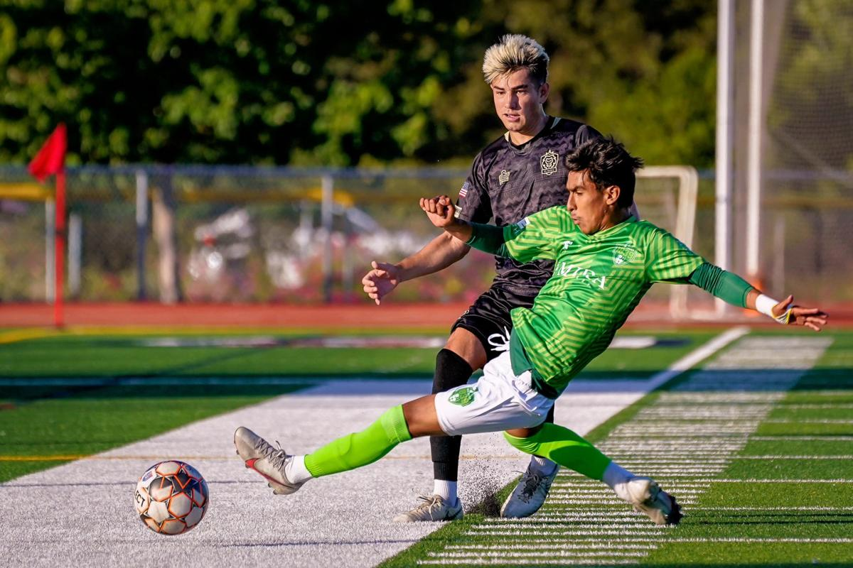 Napa Valley 1839 FC's Luis Mendoza vs. FC Davis