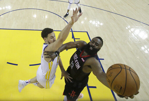 Officiating becomes focus of Warriors-Rockets Game 1