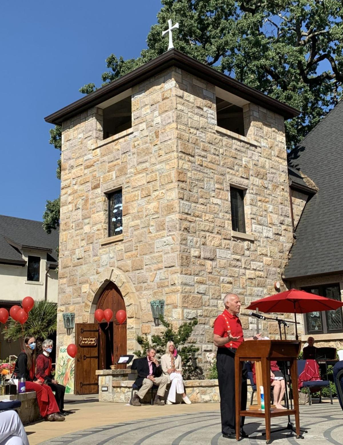 'Father Mac' preaches at Grace Episcopal Church in St. Helena