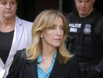 Huffman, 12 other parents to plead guilty in college scheme