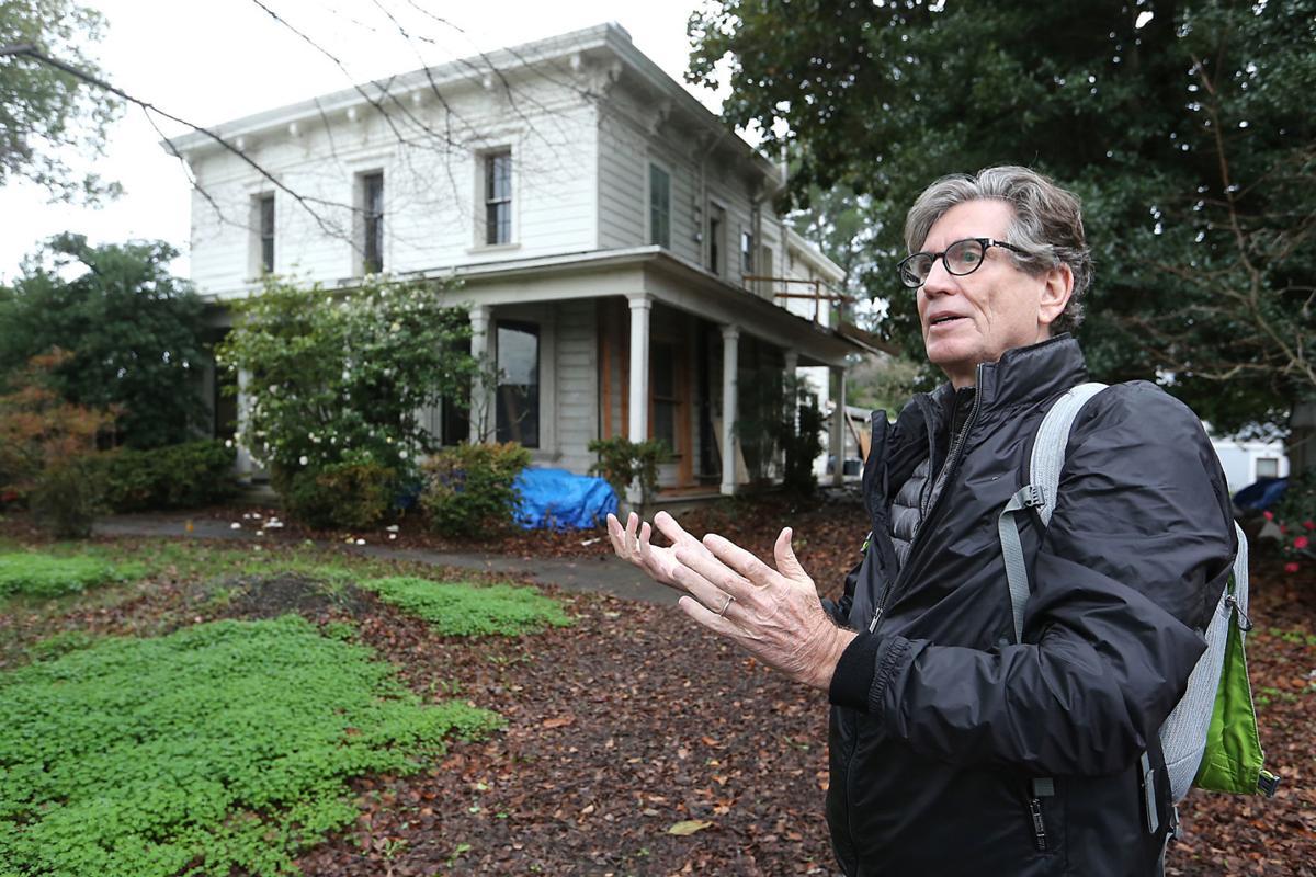 Marc Porat at the Thomas Earl house
