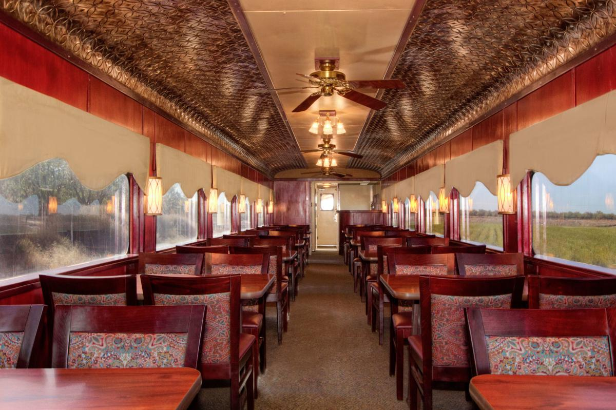 Sierra RR half dome dining car.jpg