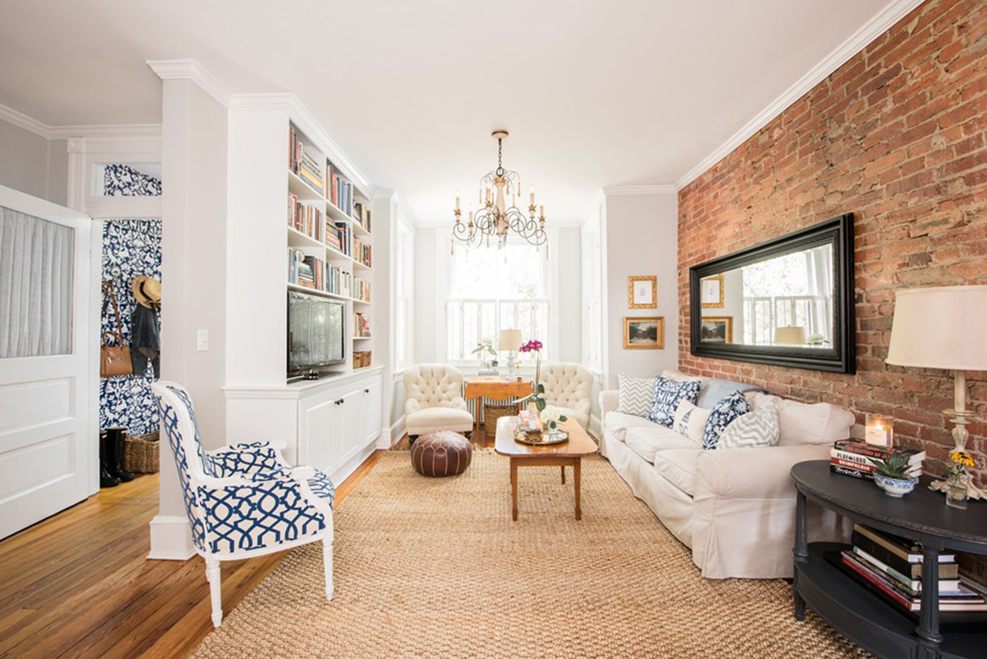 Meg And Glenn Hoburg Have Spent The Past 14 Years Renovating Their  Three Bedroom Rowhouse On Capitol Hill In Washington, D.C. They Had A Brick  Wall Exposed ...