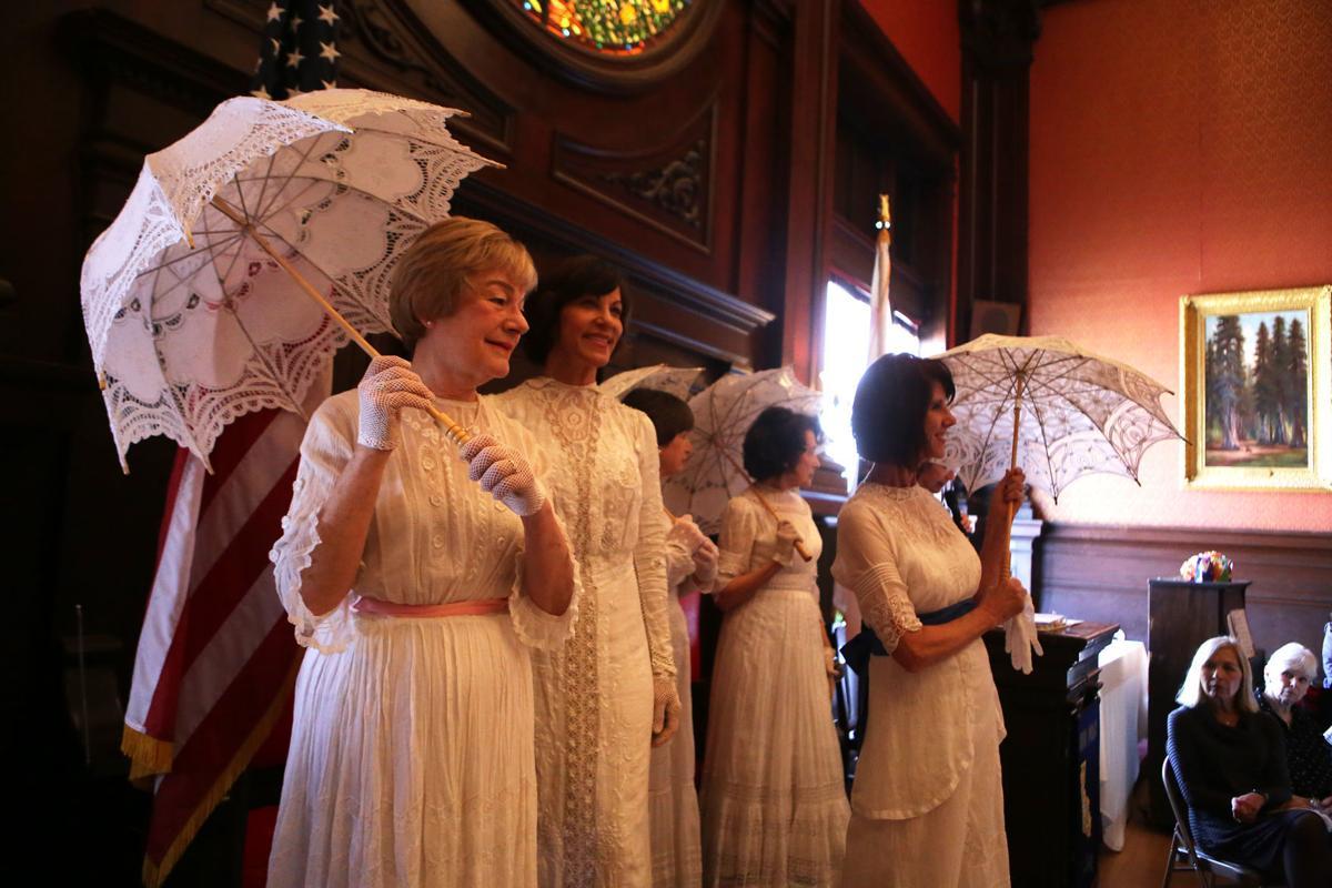 Vintage fashion show in Napa