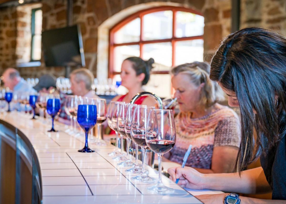 Star/NVV wine tasting panel