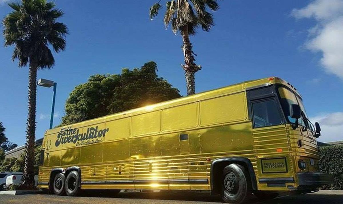 The Twerkulator party bus