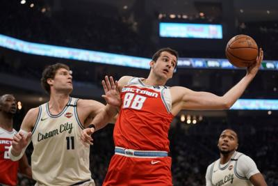 Kings Bucks Basketball