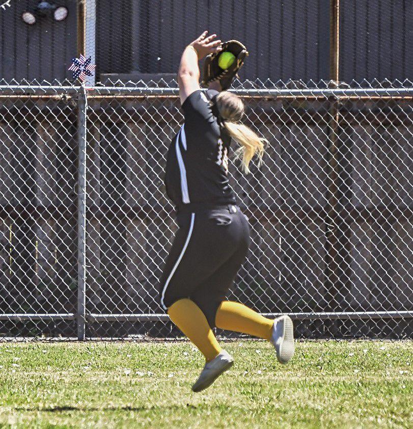 A.M.P. Construction left fielder Emilee Duncan