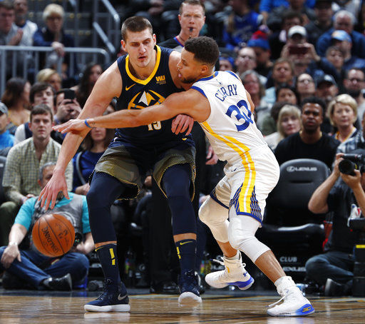Jokic makes go-ahead 3-pointer, Nuggets top Warriors 115-108