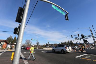 Crossing signals at the Napa Valley Vine Trail