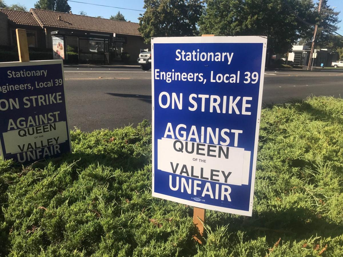 Queen strike sign