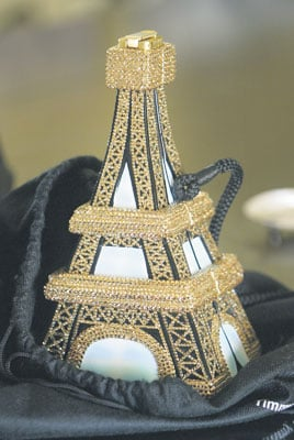 Local Woman Wins Eiffel Tower Handbag From And The City