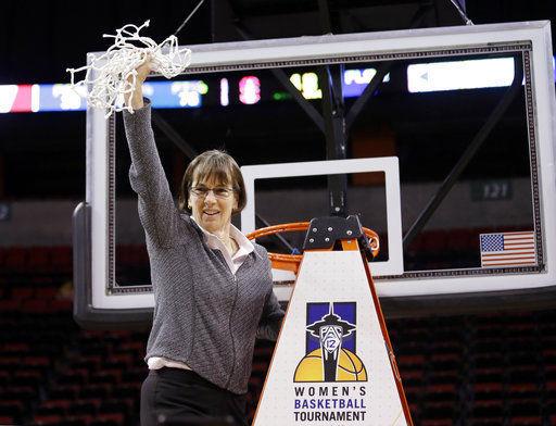 Stanford coach Tara VanDerveer receives new 3-year deal