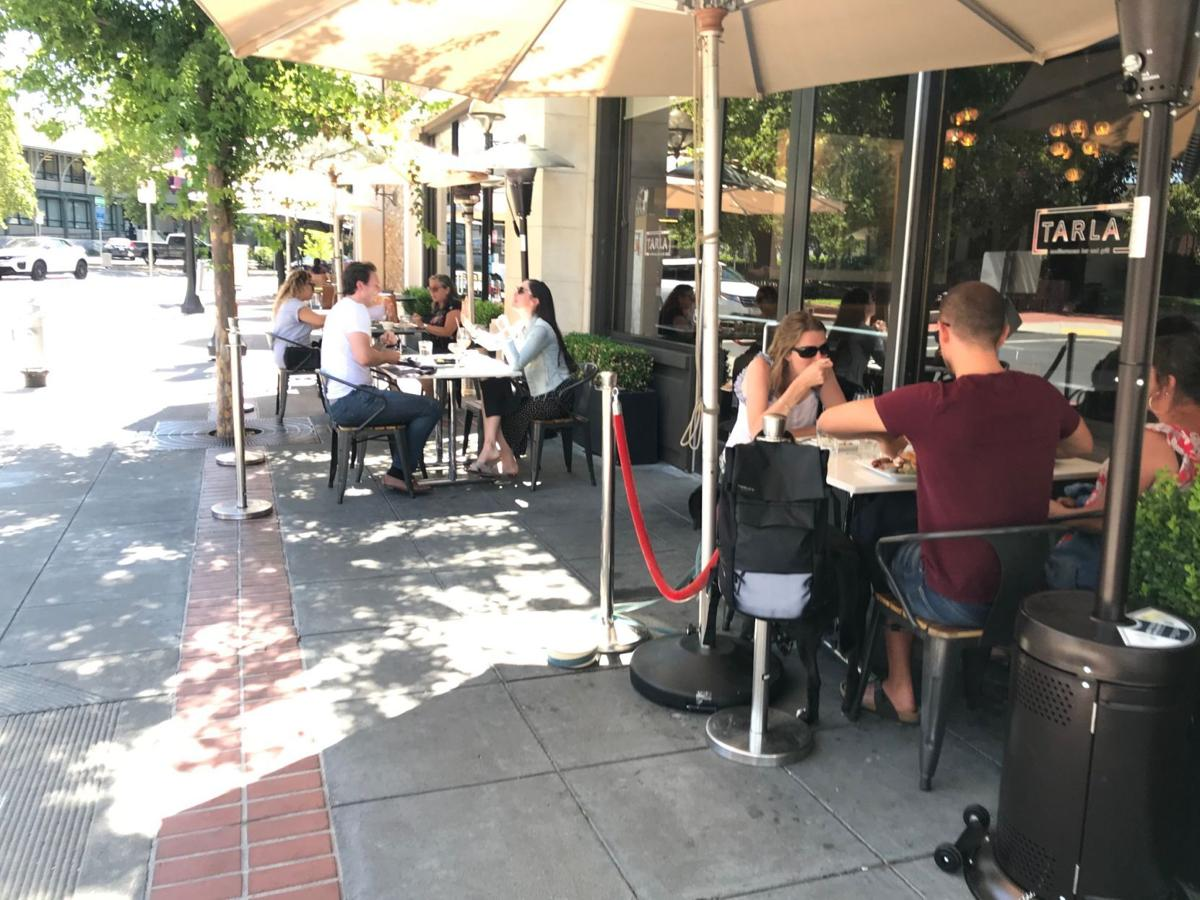 Outdoor dining in downtown Napa