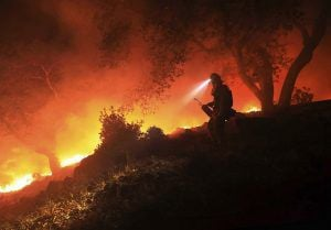 Tracking California's deadly wildfires (copy)