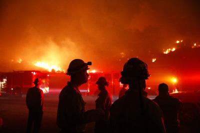 Winds churn California wildfires, keep aircraft from helping (copy)