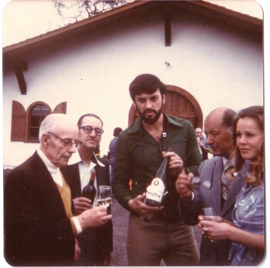 Dario Sattui opens V. Sattui Winery in 1976