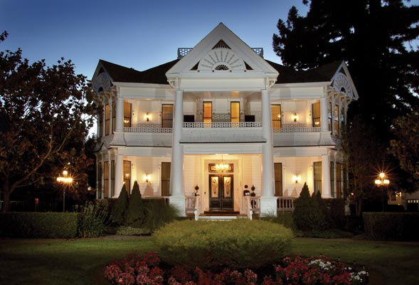Exceptional The White House Inn U0026 Spa On Brown Street In Napa Was Originally Built For  Emmaneul Manasse, A German Immigrant Who Became Co Owner Of The Sawyer  Tannery In ... Design Inspirations