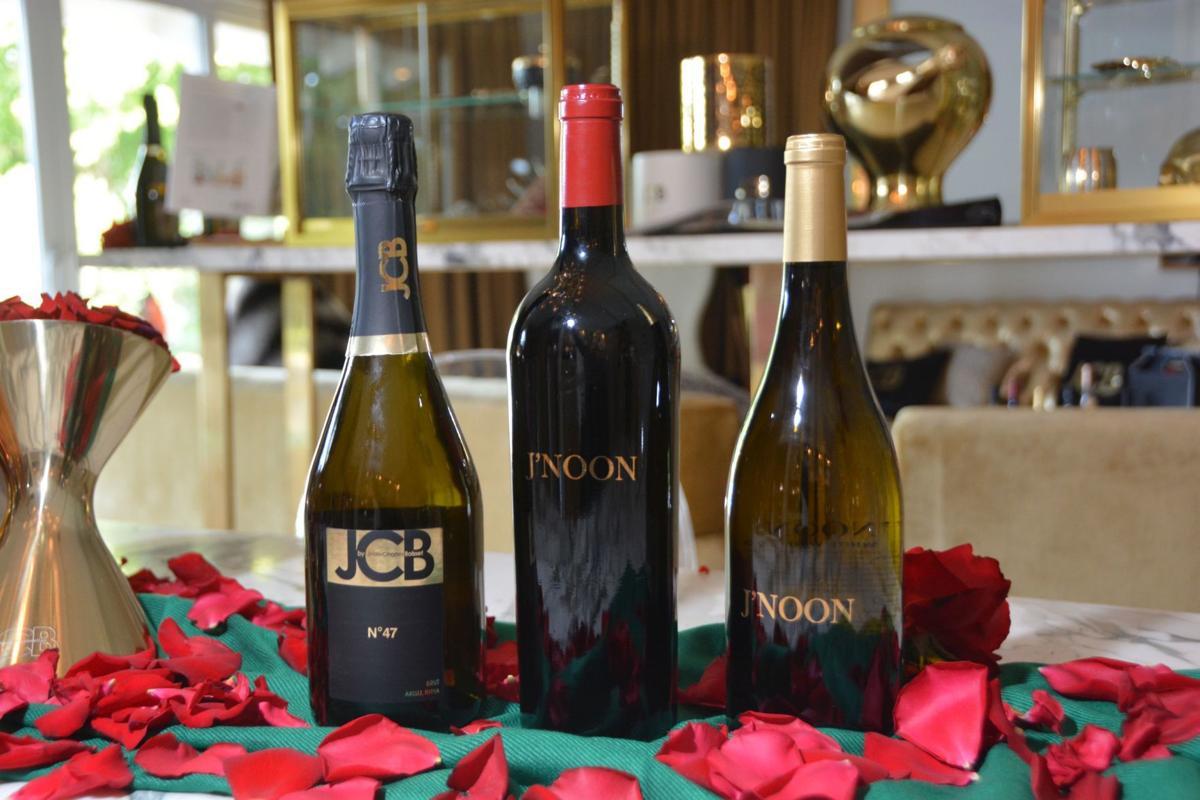 Jnoon wines