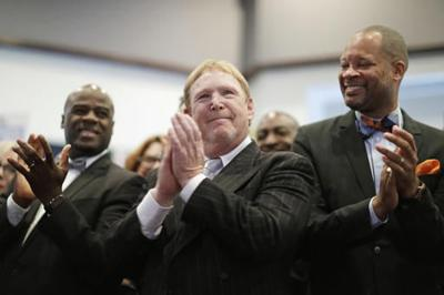 Raiders owner Mark Davis makes presentation to NFL owners