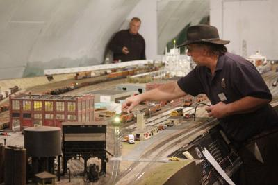 Napa model railroad building reopens