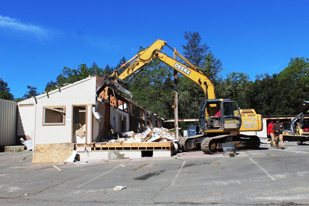 Blakeley Construction demolition of its Calistoga offices (copy)