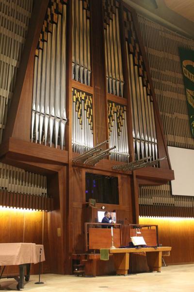 Hans Uwe Hielscher on Rieger organ