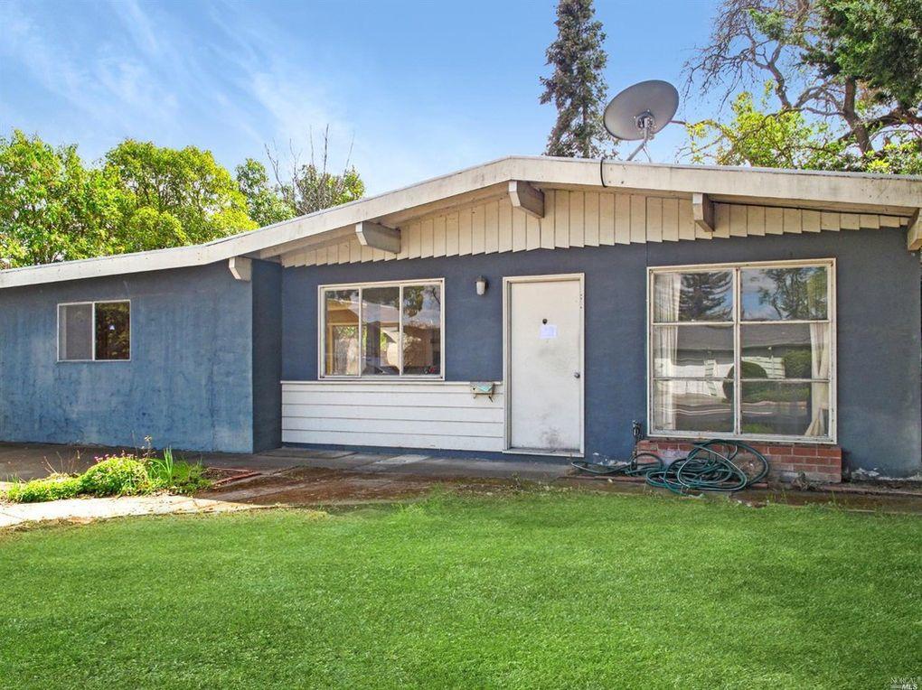 2209 Redwood Road